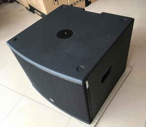 Sub Paramax Pro X18